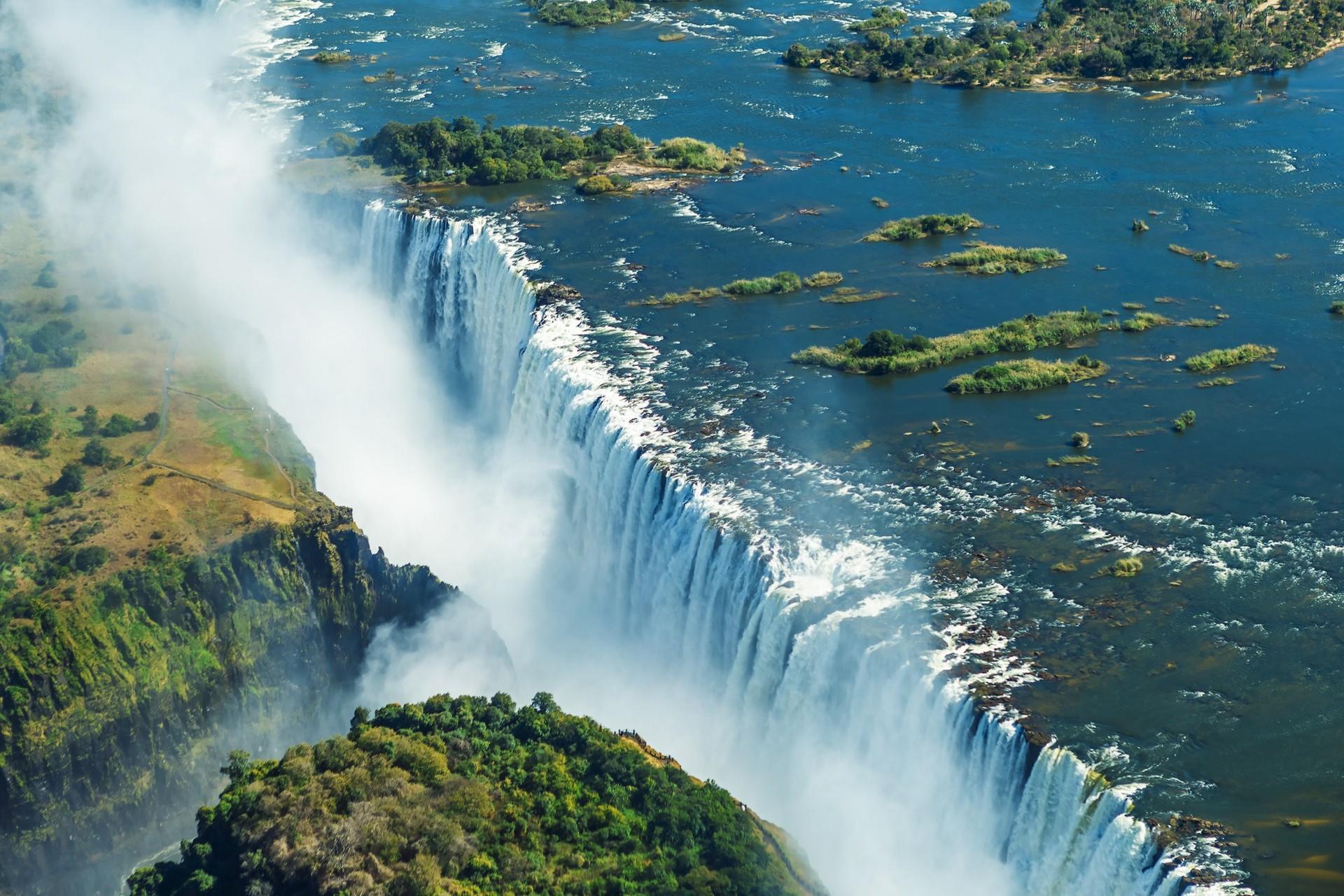 Zimbabwe's best natural attractions: Victoria Falls