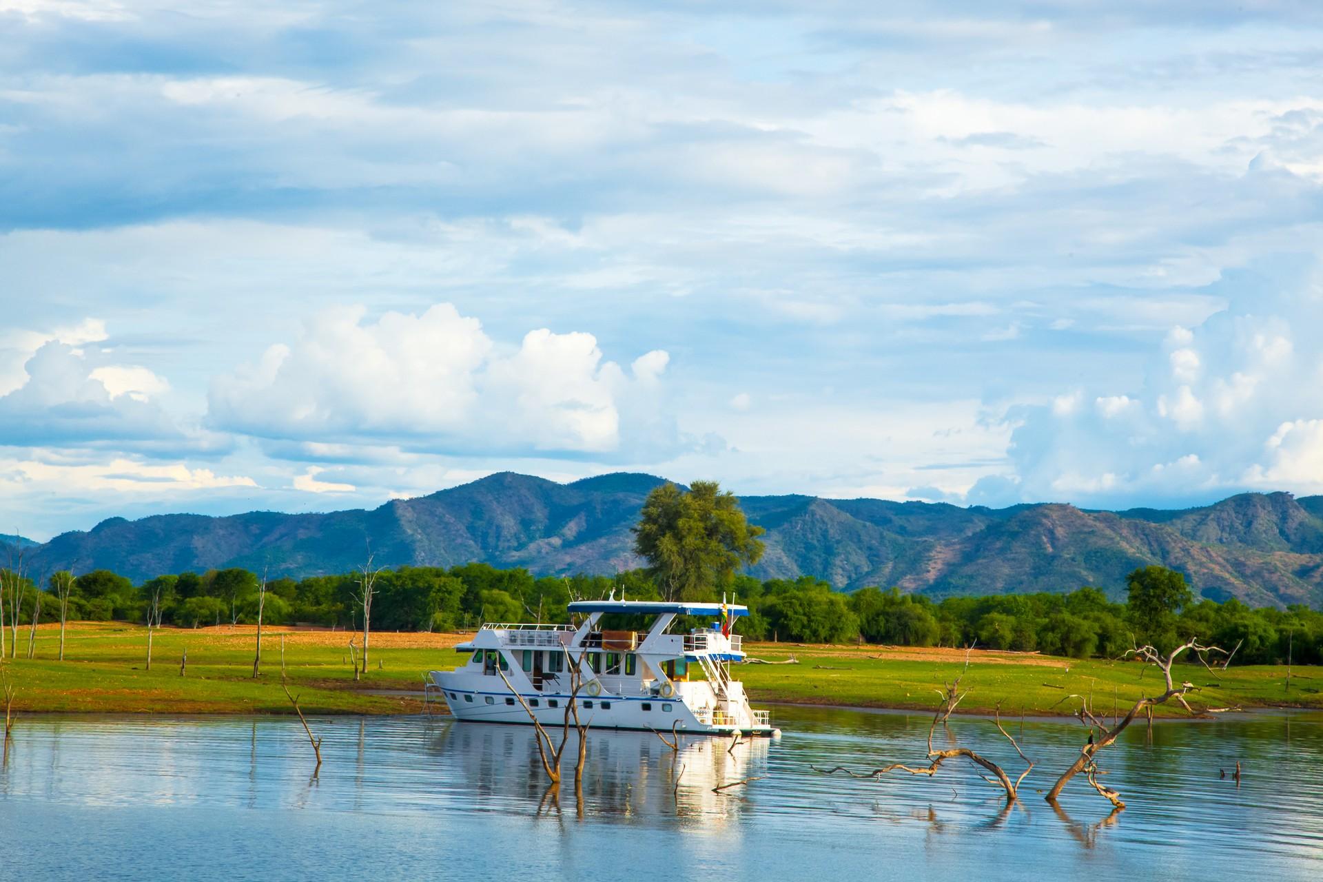 Zimbabwe's best natural attractions: Lake Kariba