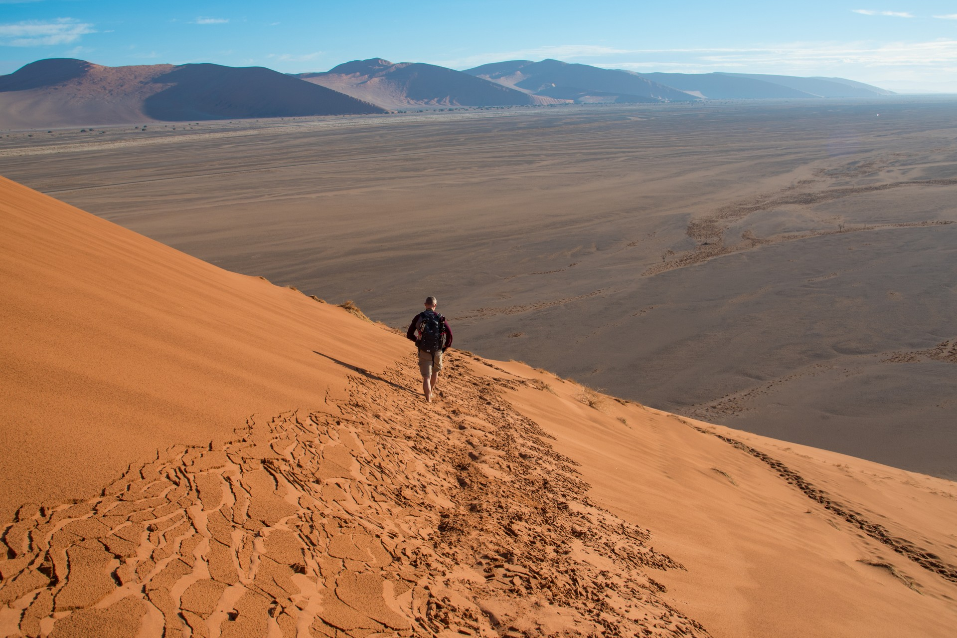 Hiking the Sossusvlei sand dunes