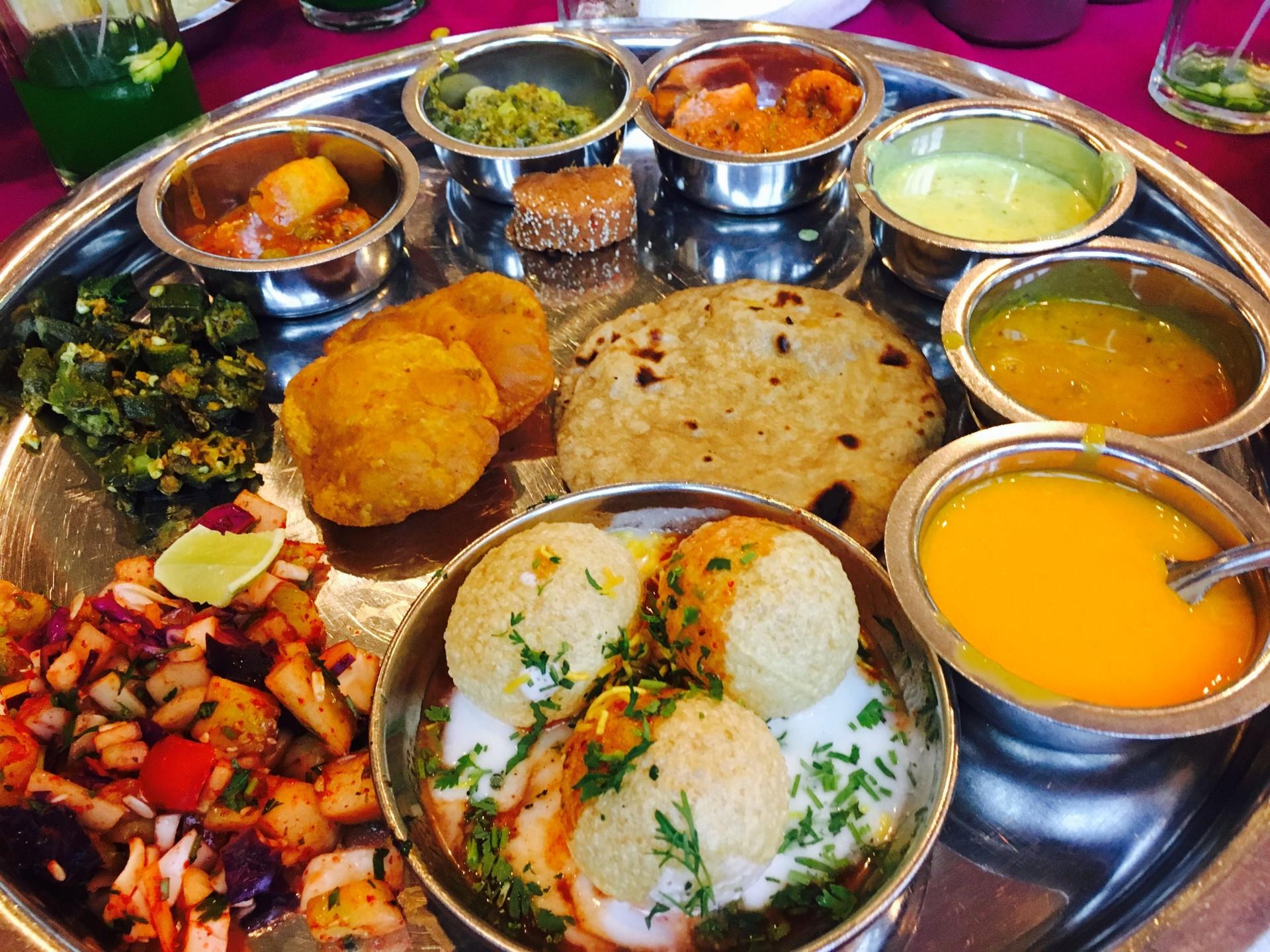 India food tour - Thali dishes