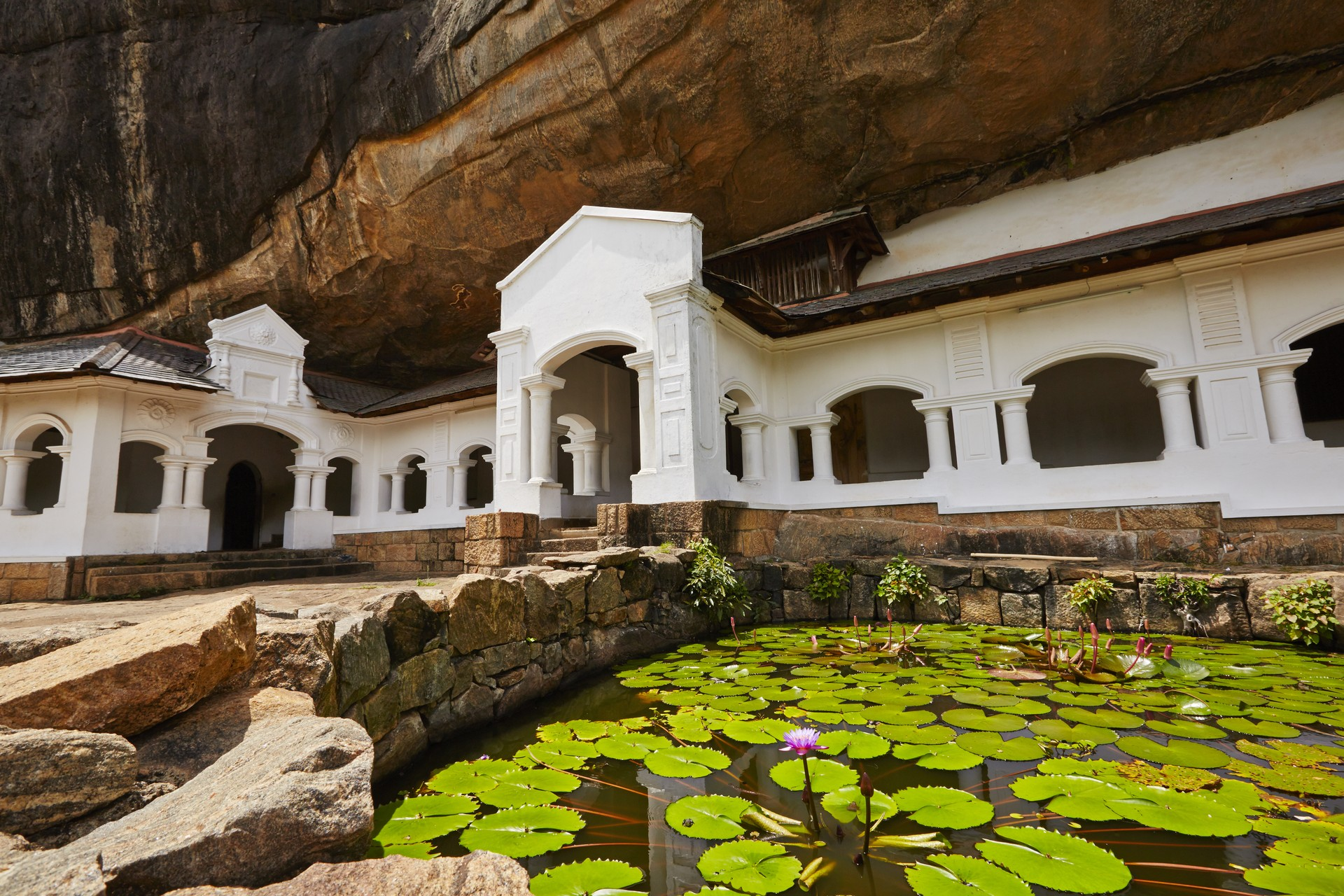 Sri Lanka holidays: Dambulla cave temple