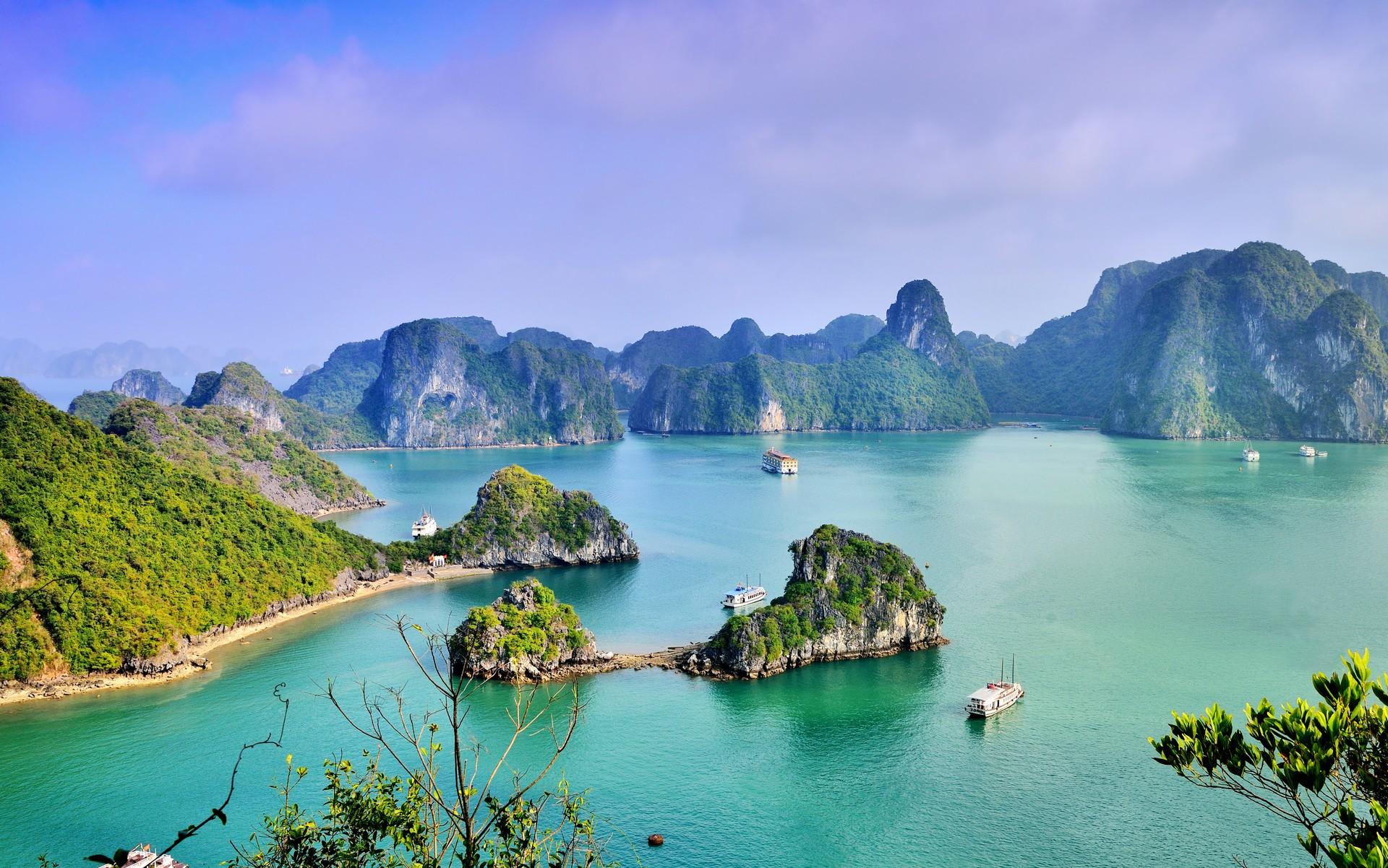 Top 10 scenic journeys: HaLong Bay