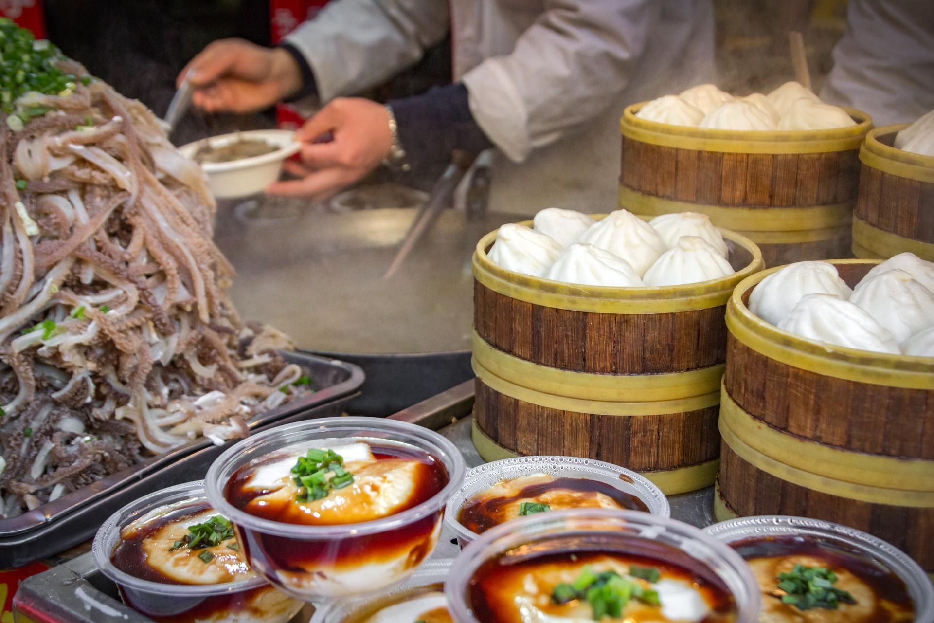 China food tour - market stall