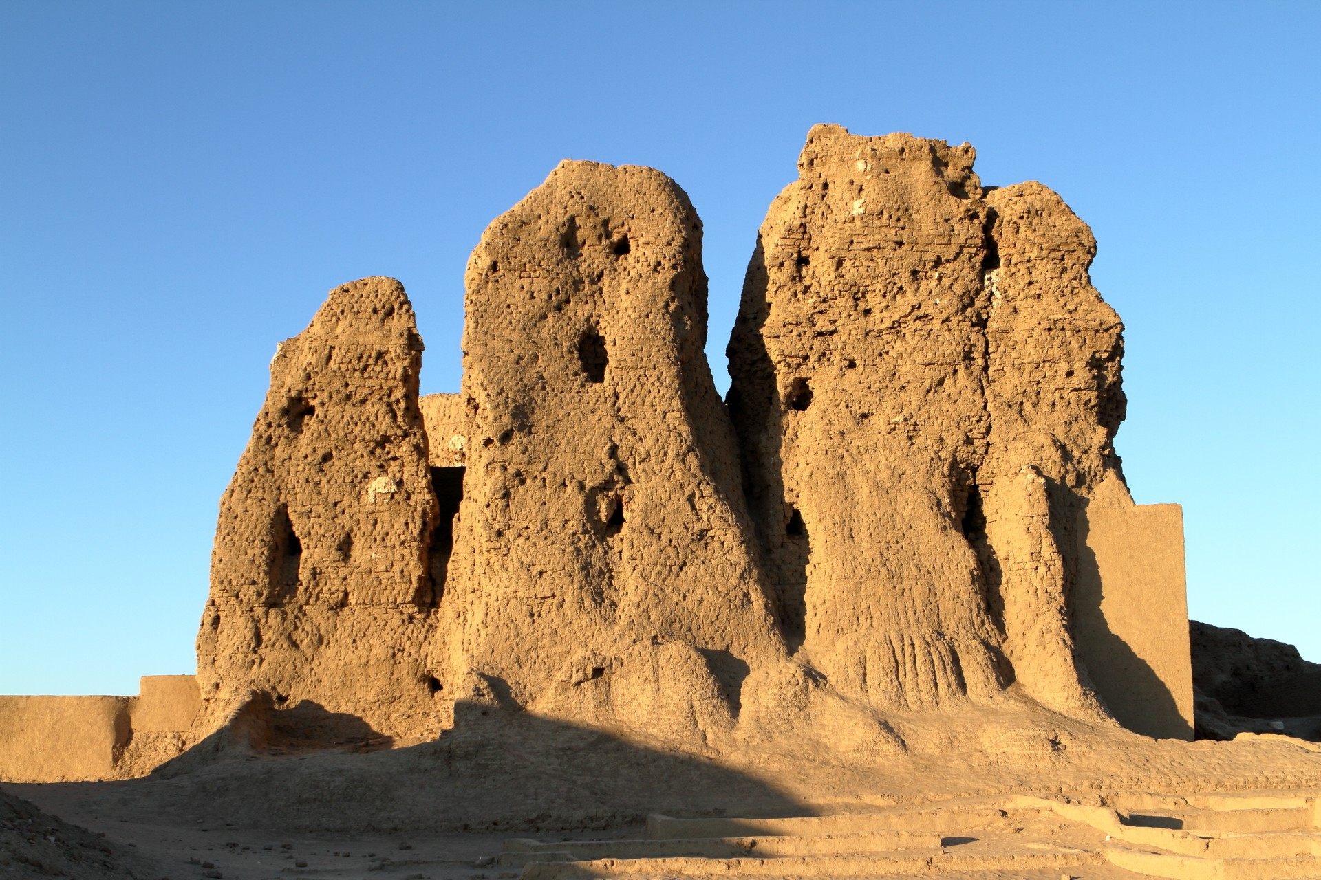 Best things to do in Sudan: Kerma, Deffufa Castle