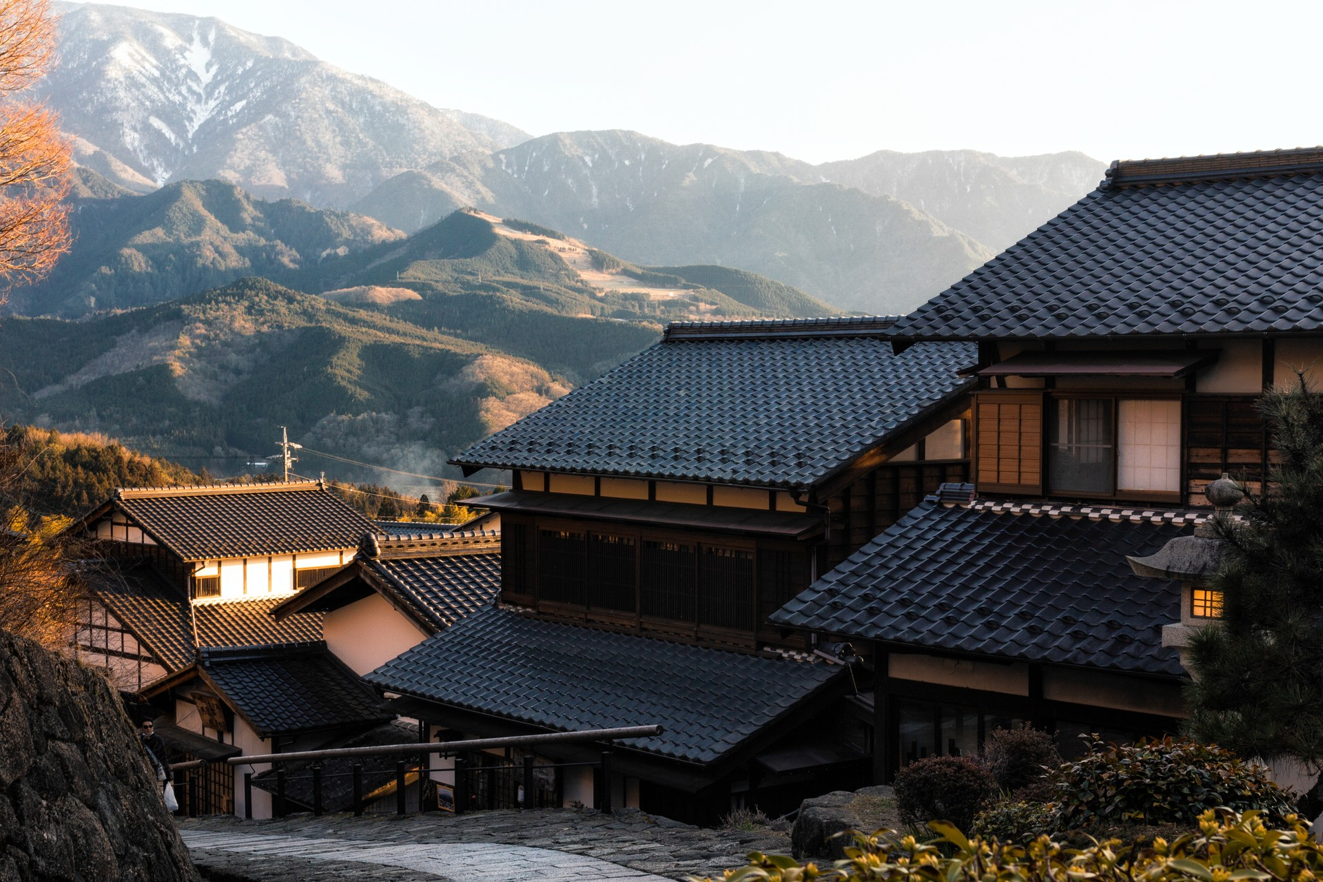 Magome with view of the mountains