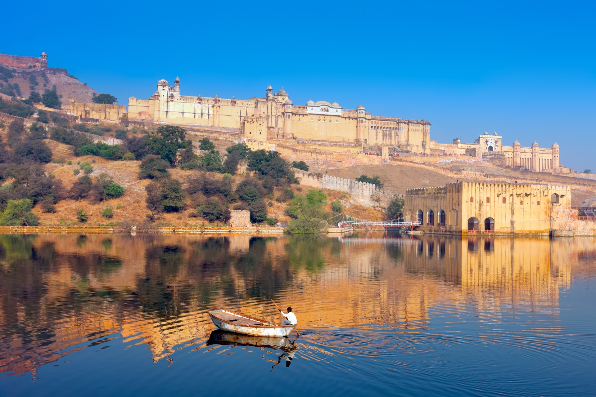 Jaipur seen from the water