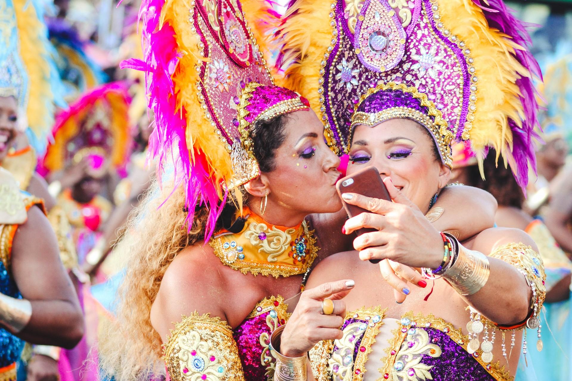 Women posing at Rio Carnival