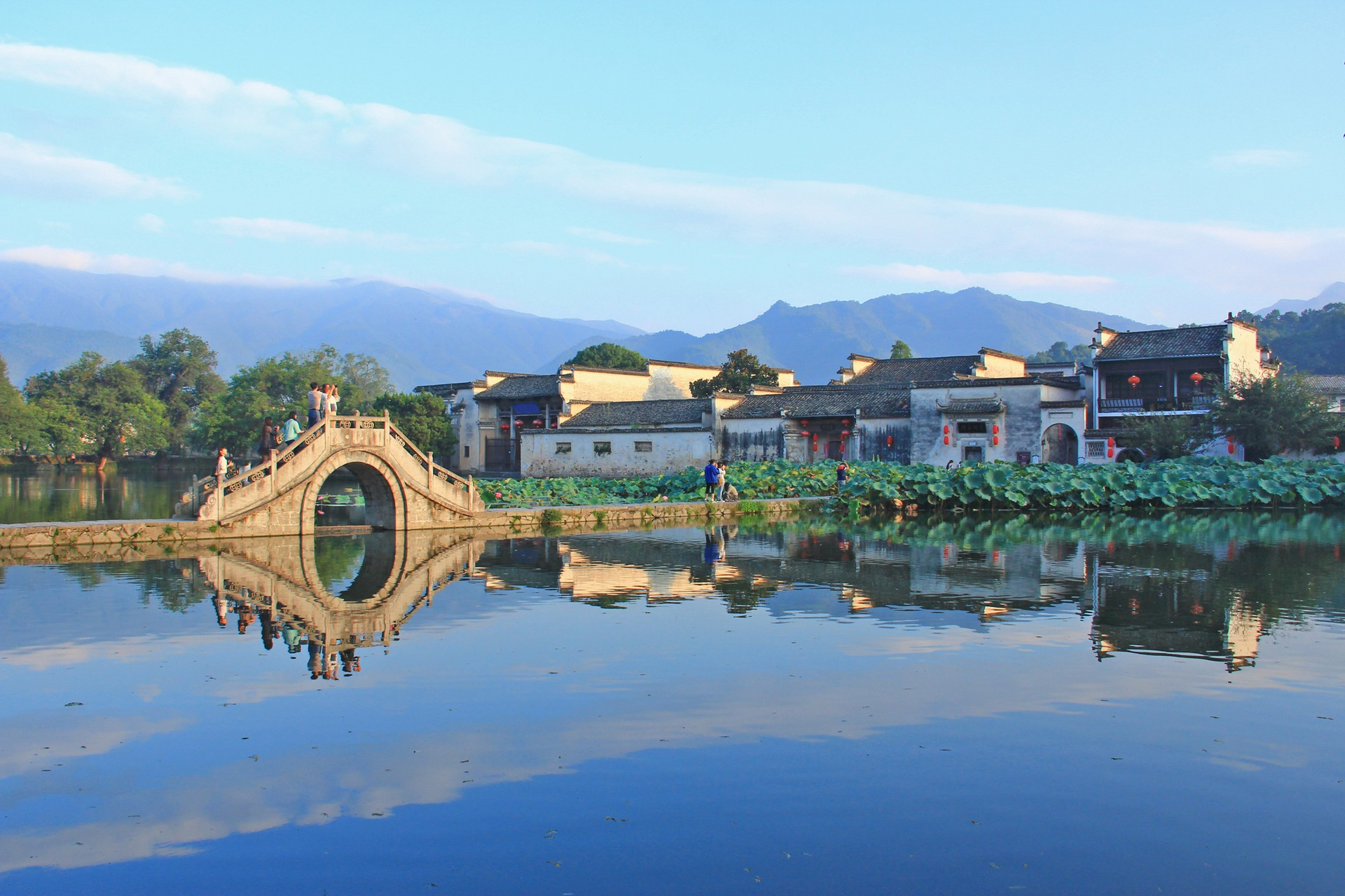 Hongcun village and bridge