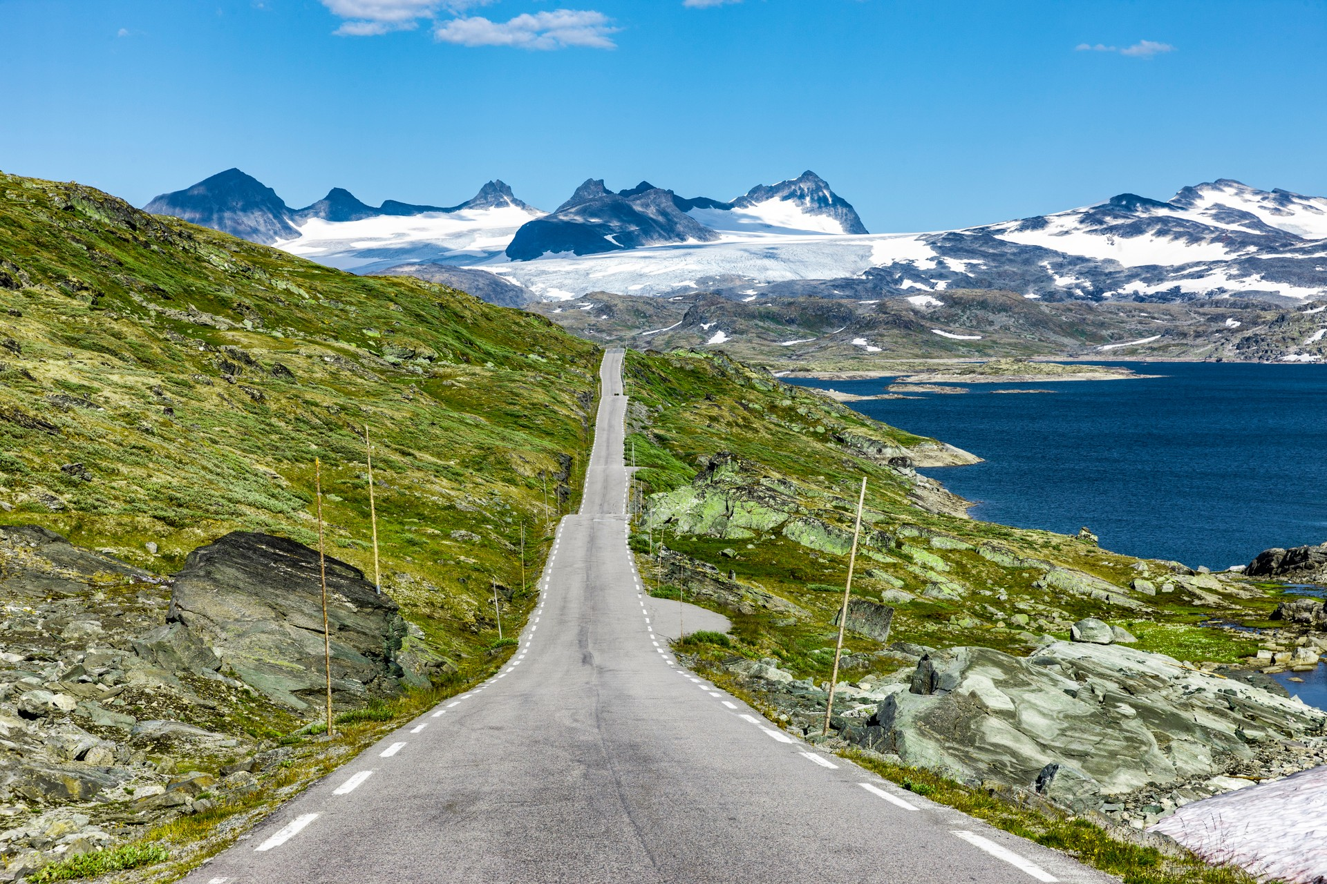 Mountain views on a road trip in Norway