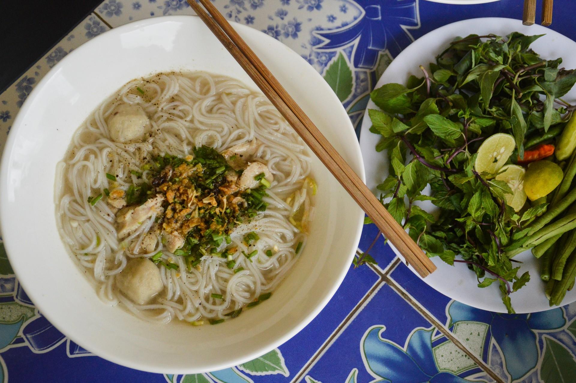 What to eat in Vientiane: Khao Piak Sen