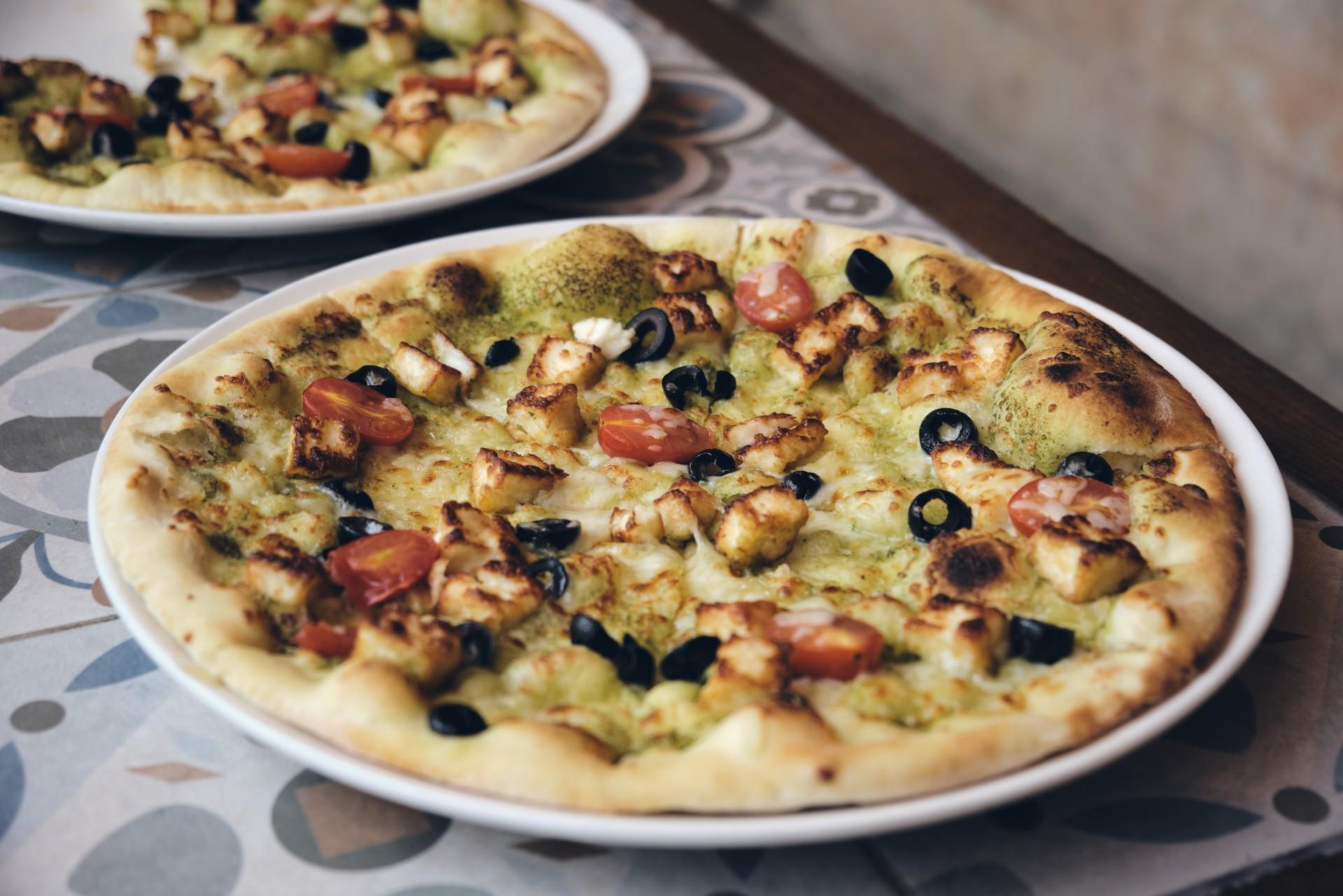 """Jordanian """"pizza"""" in Amman"""