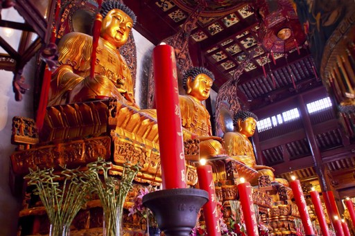 Buddhist temple Shanghai, China