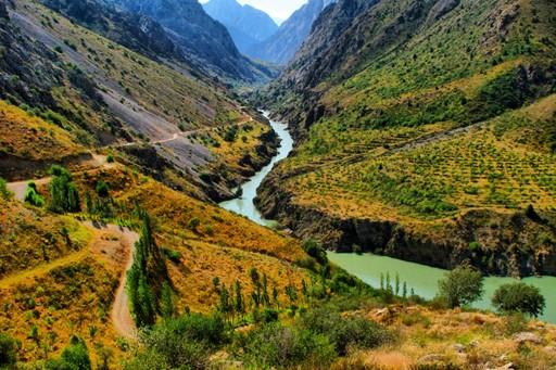 A river running through Uzbekistan