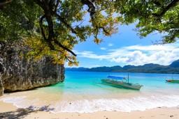Idyllic Philippines beach