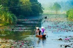 Yen River Vietnam