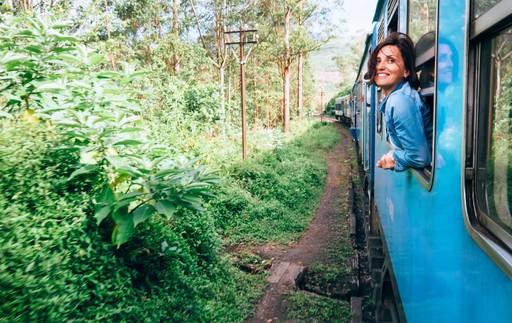 Train through tea plantations - Sri Lanka holiday