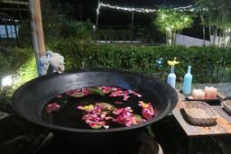 Kawa - bathe in a wok