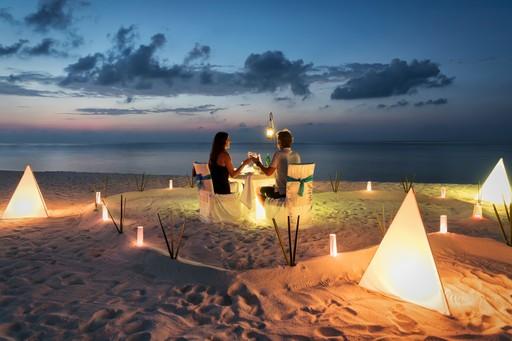 Beach romantic dinner maldives