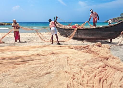 Sri Lanka holidays: Fishermen pulling in nets