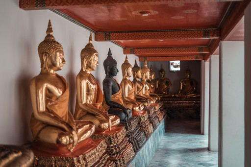 Thailand holiday: Golden Buddhas in Wat Pho temple