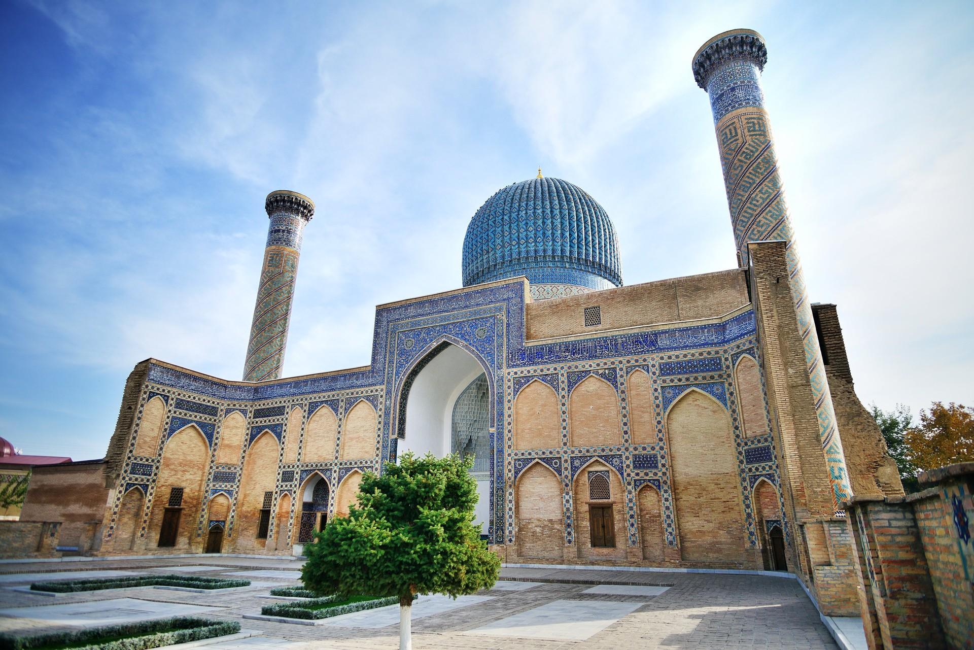 Umrah Plus Uzbekistan (13 Hari)